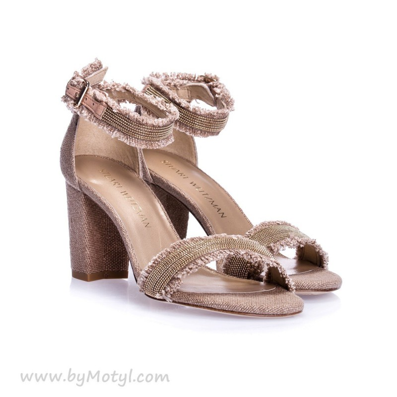 STUART WEITZMAN Beżowe sandały damskie ze złotym zdobieniem